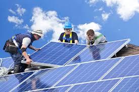 ENERGIA – In Sardegna calano consumi elettrici e produzione di energia fotovoltaica.