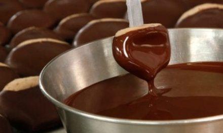 CIOCCOLATO – Sardegna regina di cioccolato e cacao: i produttori artigiani al 3° posto in Italia e Nuoro si scopre tra le prime a livello nazionale