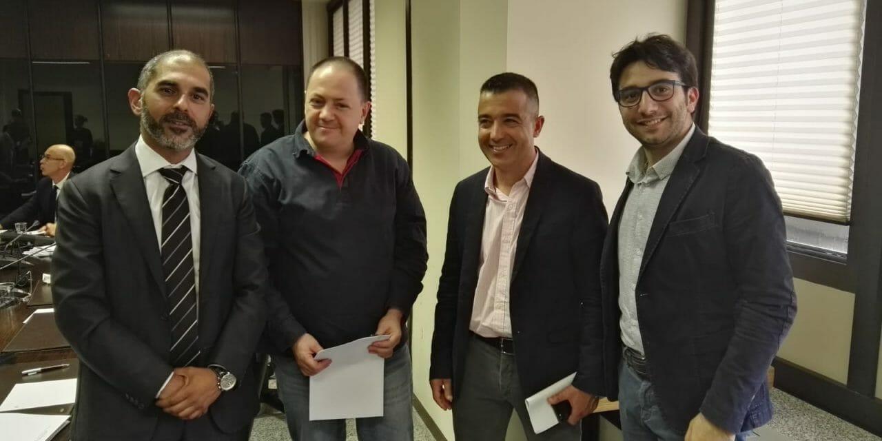 COMMISSIONE SPECIALE REGIONALE ARTIGIANATO SARDEGNA–Meno tasse, più sgravi, rifinanziamento della Legge 51 per l'Artigianato, lotta all'abusivismo e maggiore spazio nei mercati alle produzioni artigianali dell'agroalimentare, tipico e tradizionale. Le richieste di Confartigianato Sardegna alla Commissione Speciale per l'Artigianato in Consiglio Regionale